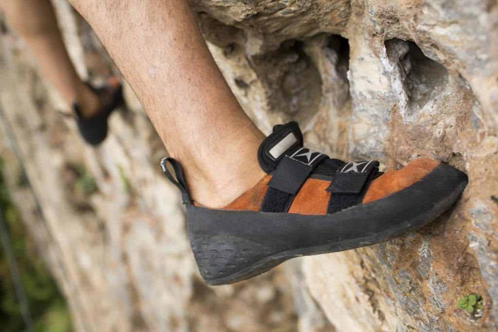 beginners-guide-rock-climbing_SHOES