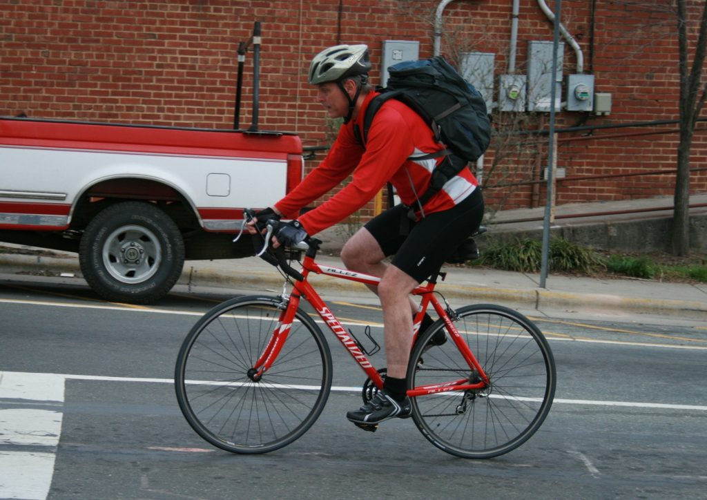 2008-03-11_Bicyclist_in_Carrboro