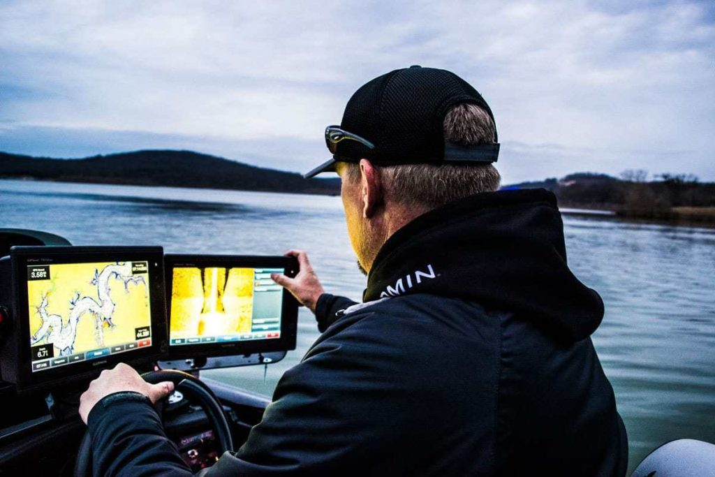 5 Outstanding Side Imaging Fish Finders – Employ the Best Technologies!