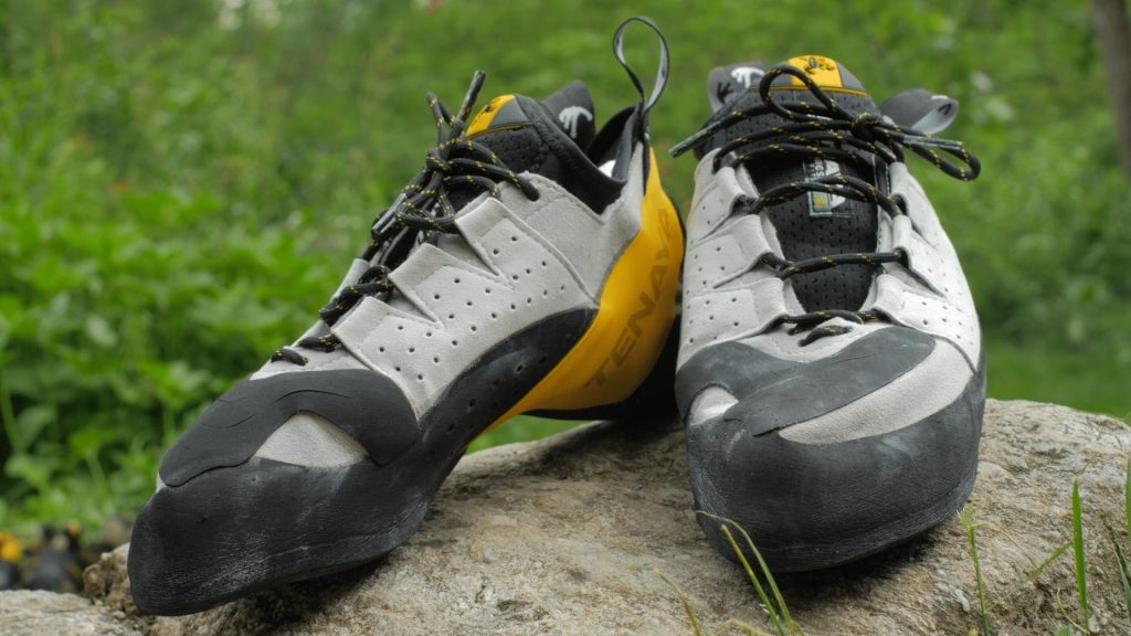5 Secure Beginner Climbing Shoes - Your First Step On The Way To The Top