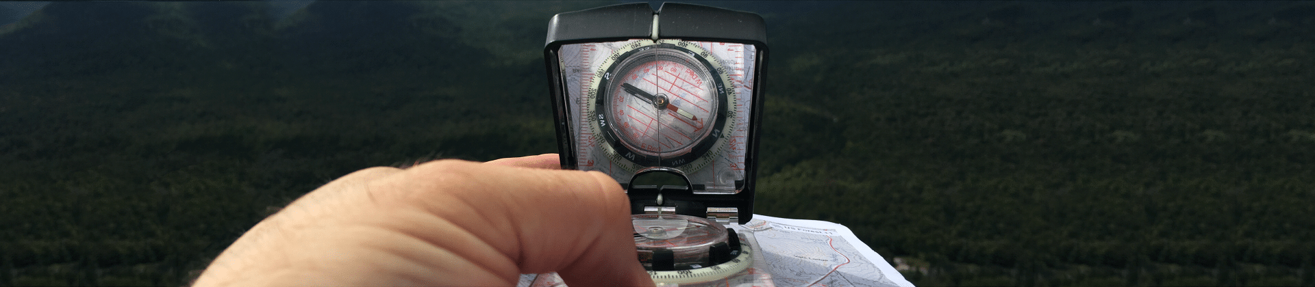 Best Survival Compasses Reviewed in Detail
