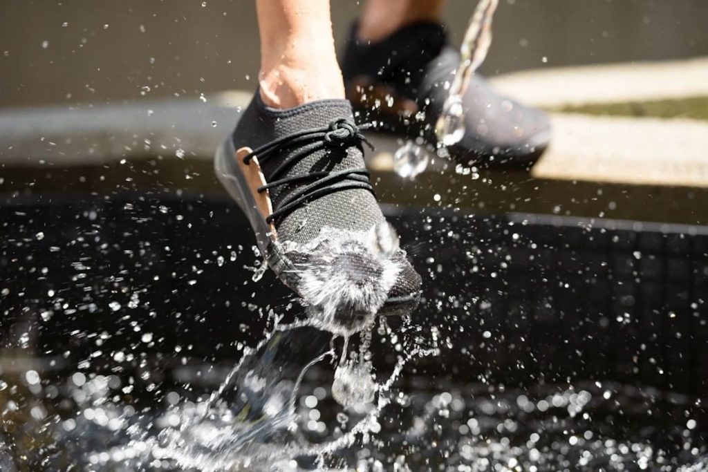8 Outstanding Approach Shoes to Walk and Climb Anywhere You Want