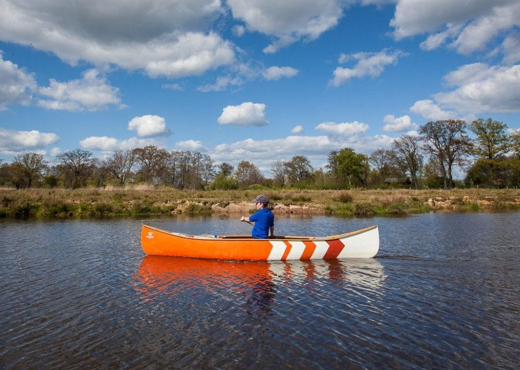 6 Best Solo Canoes - Enjoy Your Favorite Outdoor Activity!