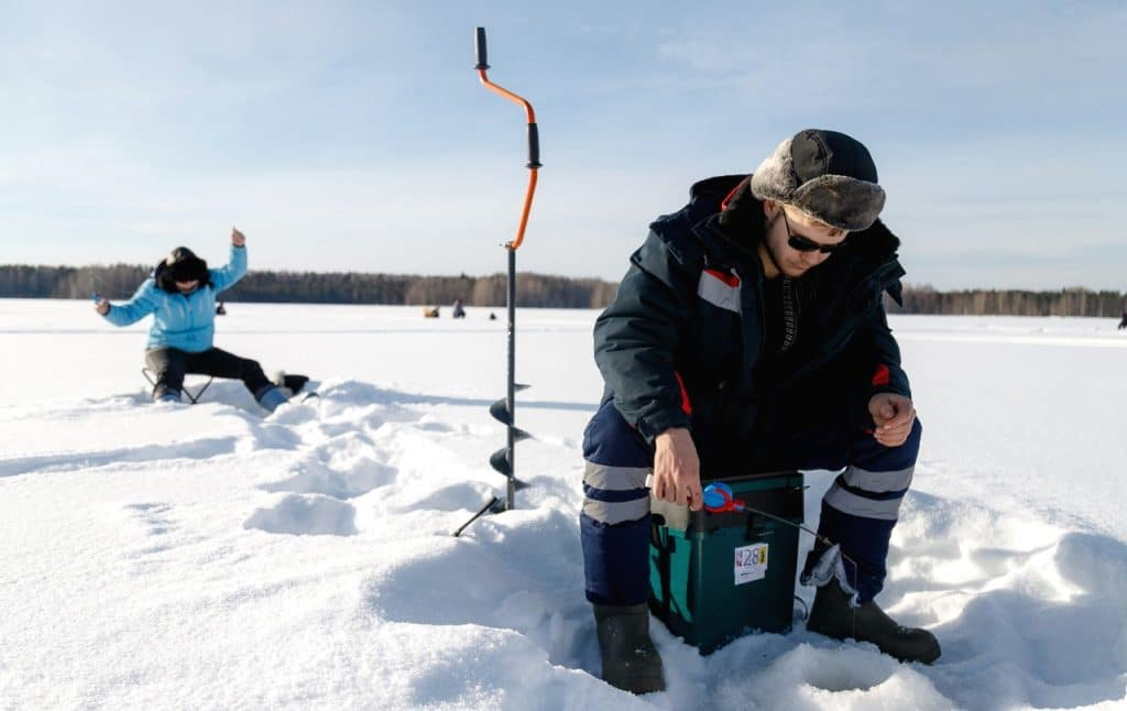 10 Best Ice Augers for Serious Anglers!