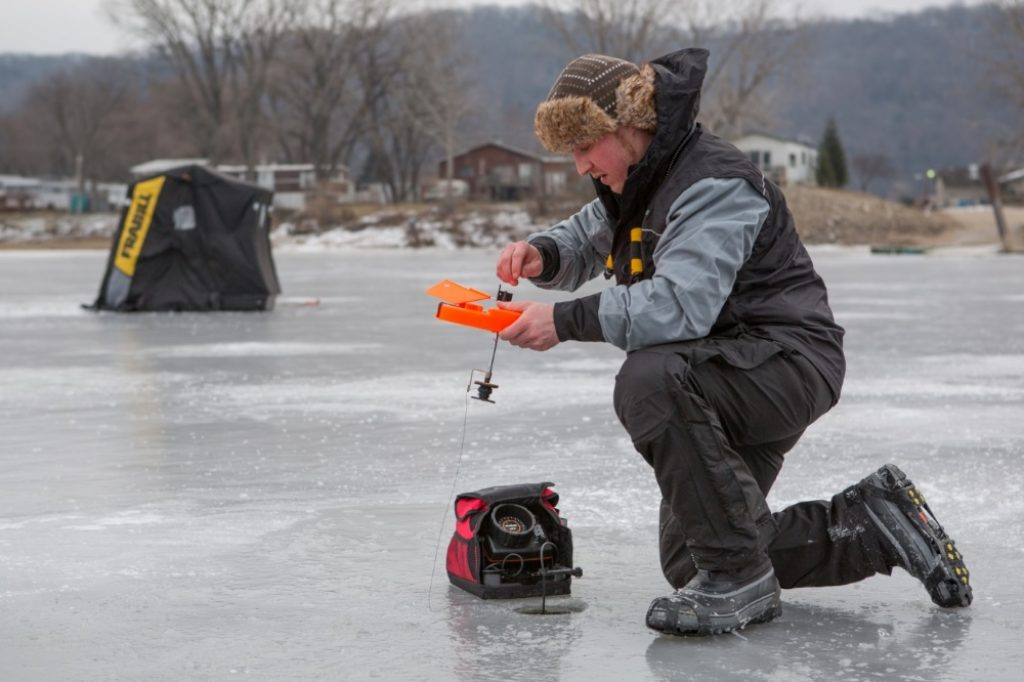 6 Outstanding Ice Fishing Flashers - Finding Your Next Catch Much Faster!