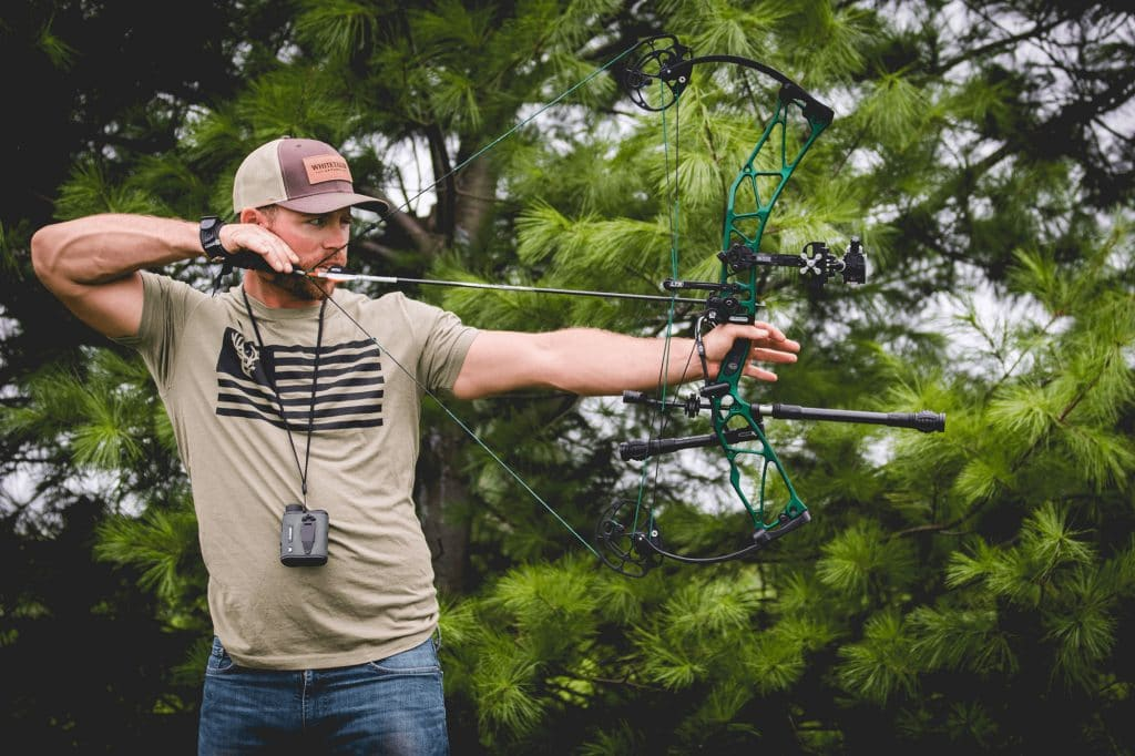 8 Great Compound Bows for Beginners - First Archery Lessons with Ease