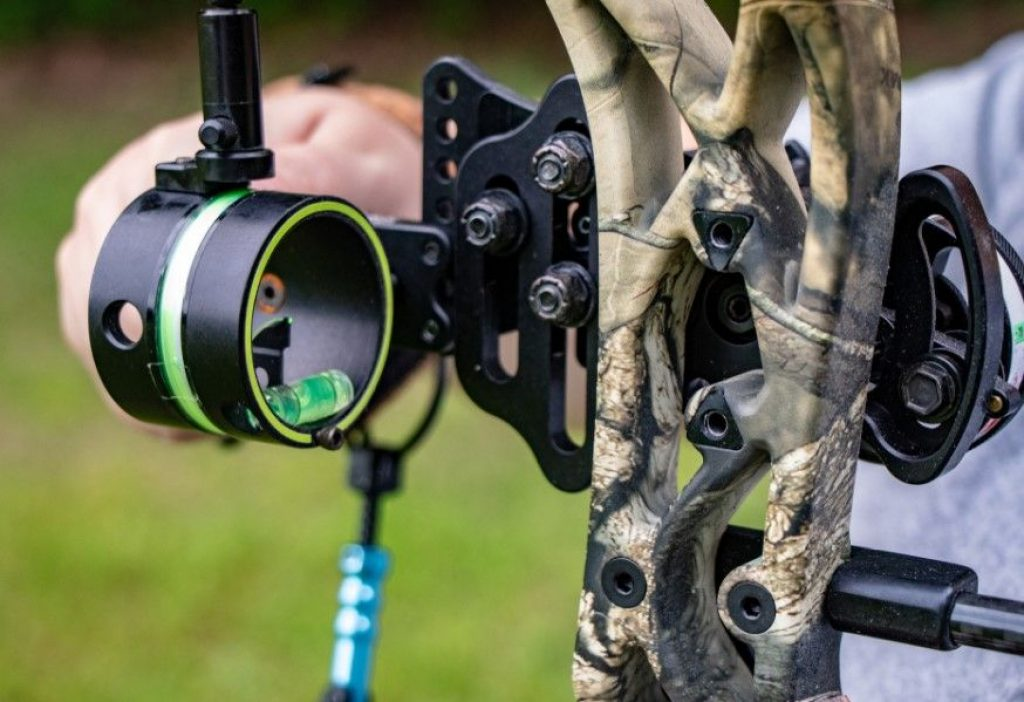 5 Best Single Pin Bow Sights to Improve Your Shooting Accuracy