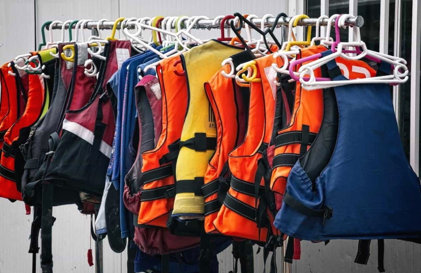 10 Best Fishing Life Vests – Enjoy Safe Fishing Experience!