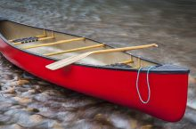 10 Fantastic Canoe Paddles – Get Maximum Control Over the Situation!