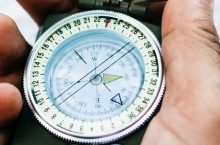 8 Best Compasses for Hiking – Always Keeping You on the Track!