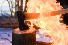 7 Handiest Bushcraft Axes For Any Camper's Trip